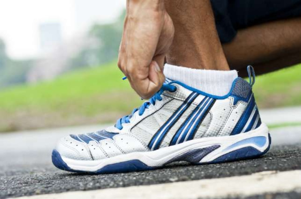 running shoes for flat feet men